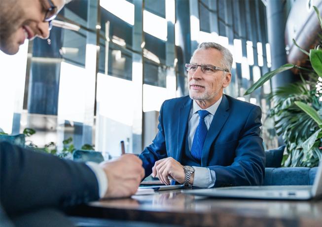 Businessmann Im Kundenmeeting